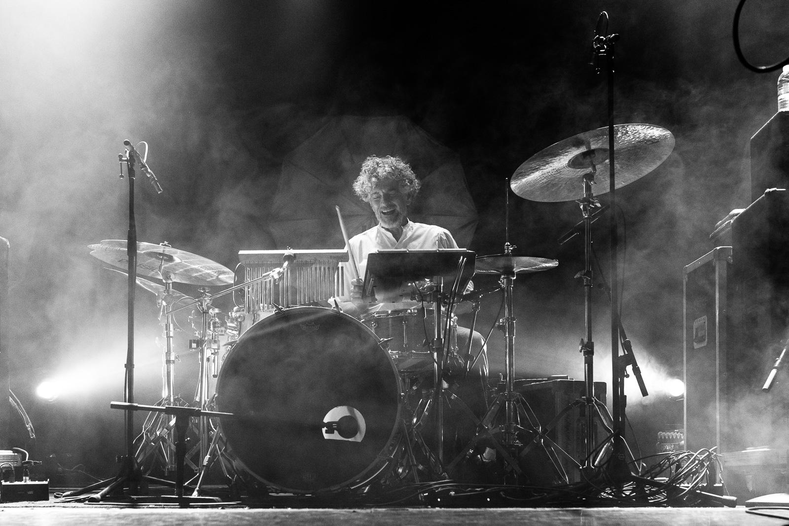 Blonde redhead drummer — img 14